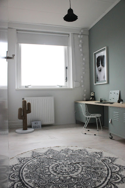 Flexa, Pure by Flexa ColorLab, FlexaNL, Suave River, Full River, Drifting Cloud, DIY, verfklus, make-over, Kringloop, speelkamer, kattenkamer, speelgoed, low budget, tips, verftips, interieurstyling, inrichten kleine ruimte. OSB, bureau, Marktplaats