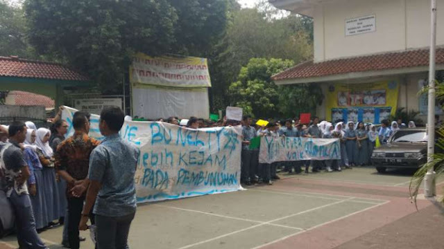 Guru N Dinonaktifkan dari SMAN 87 Jakarta