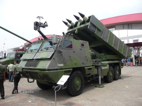 MLRS Astros II TNI