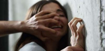 سبب لها عاهة مستديمة.. عامل نظافة يتحرش بجارته ويقطع لسانها