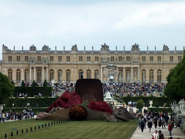 gente en el palacio de Versalles