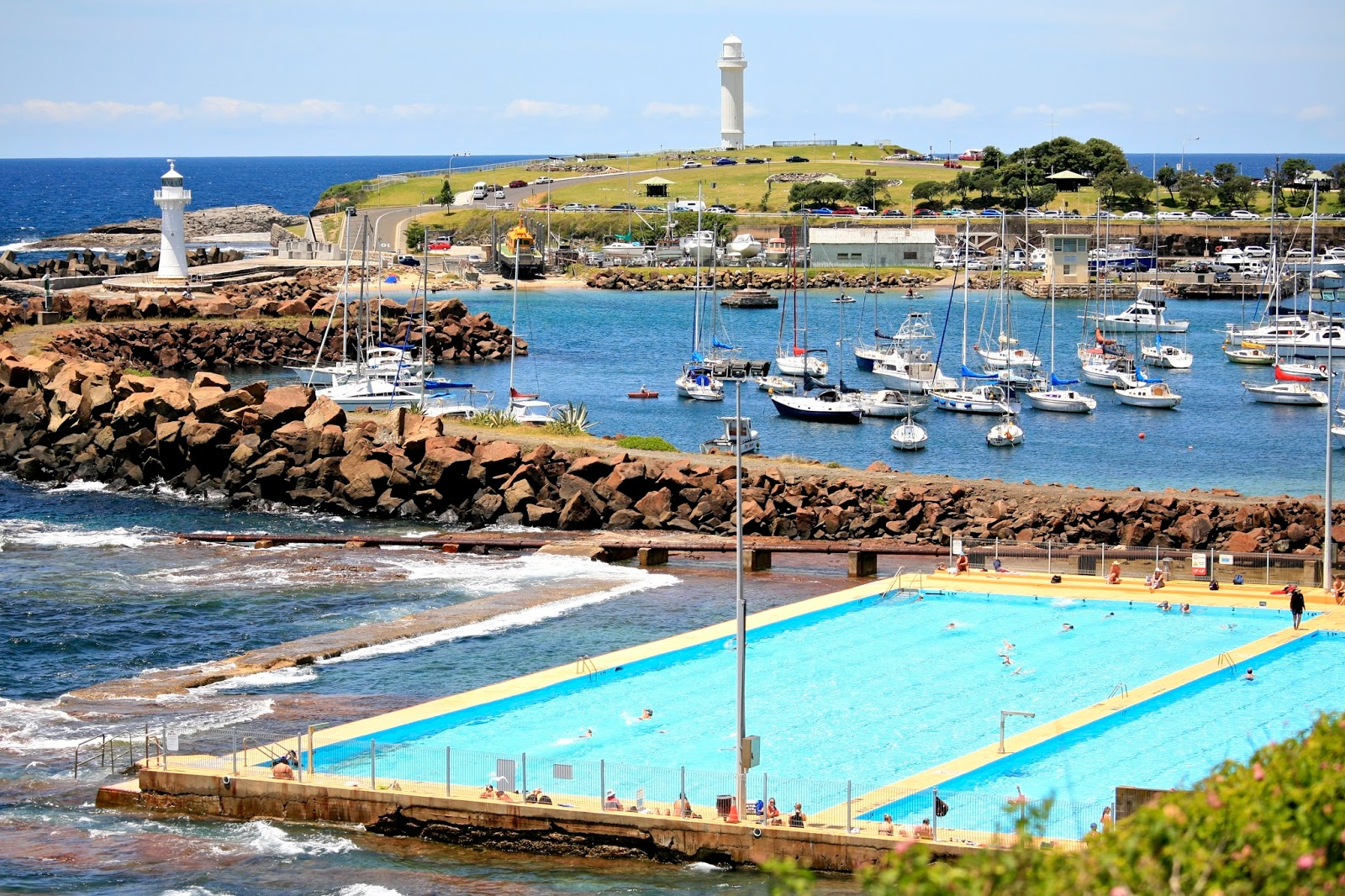 NSW RADIO AND COMMUNICATIONS - by Michael Bailey: WOLLONGONG