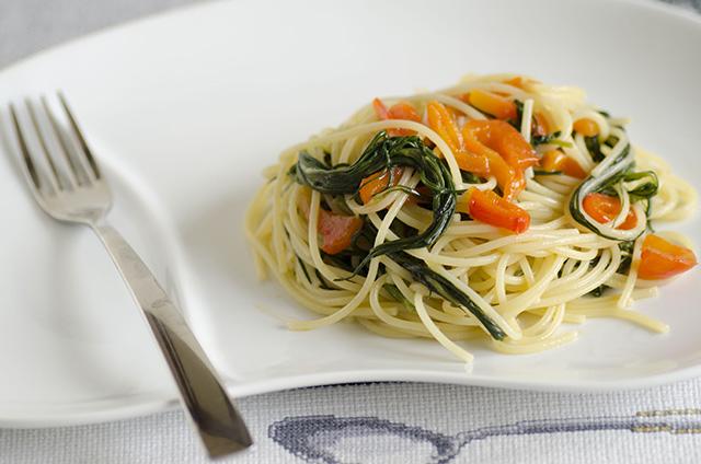 Spaghetti con agretto e peperone