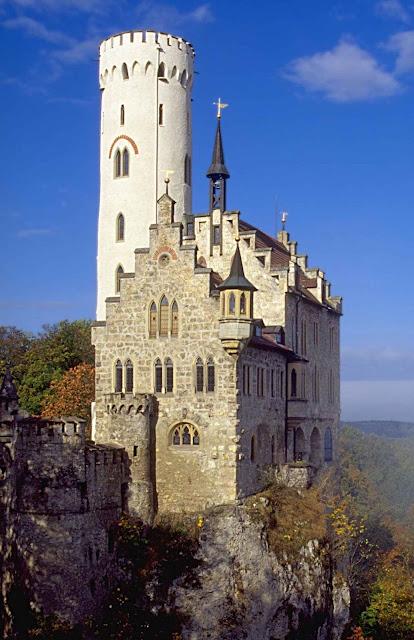 Castelo de Lichtenstein na Alemanha: outro sonho, mas realizado por um nobre.