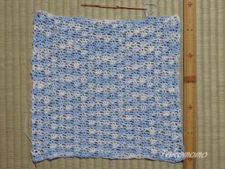 レース糸でボレロの編みかけ