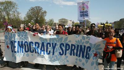 """Nước Mỹ sợ hãi một phong trào xã hội có tên """"Mùa xuân Dân chủ""""?"""