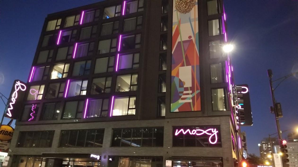 Moxy hotel, Chicago