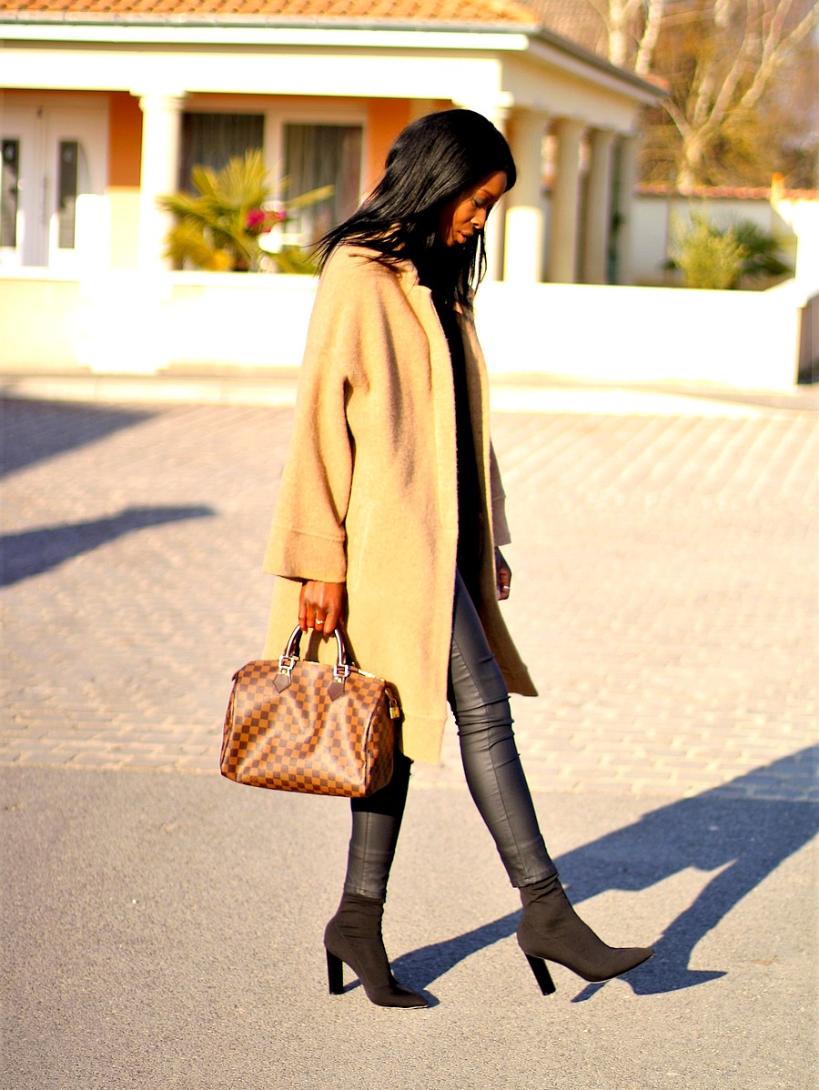 look-du-jour-manteau-camel-sac-speedy-30-louis-vuitton-itbag-pantalon-enduit-sock-boots