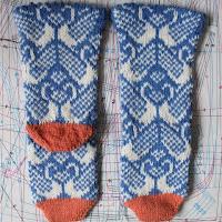 https://laukkumatka.blogspot.fi/2017/04/joutsensukat-swan-socks.html