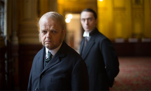 Toby Jones_The Secret Agent_Serie BBC