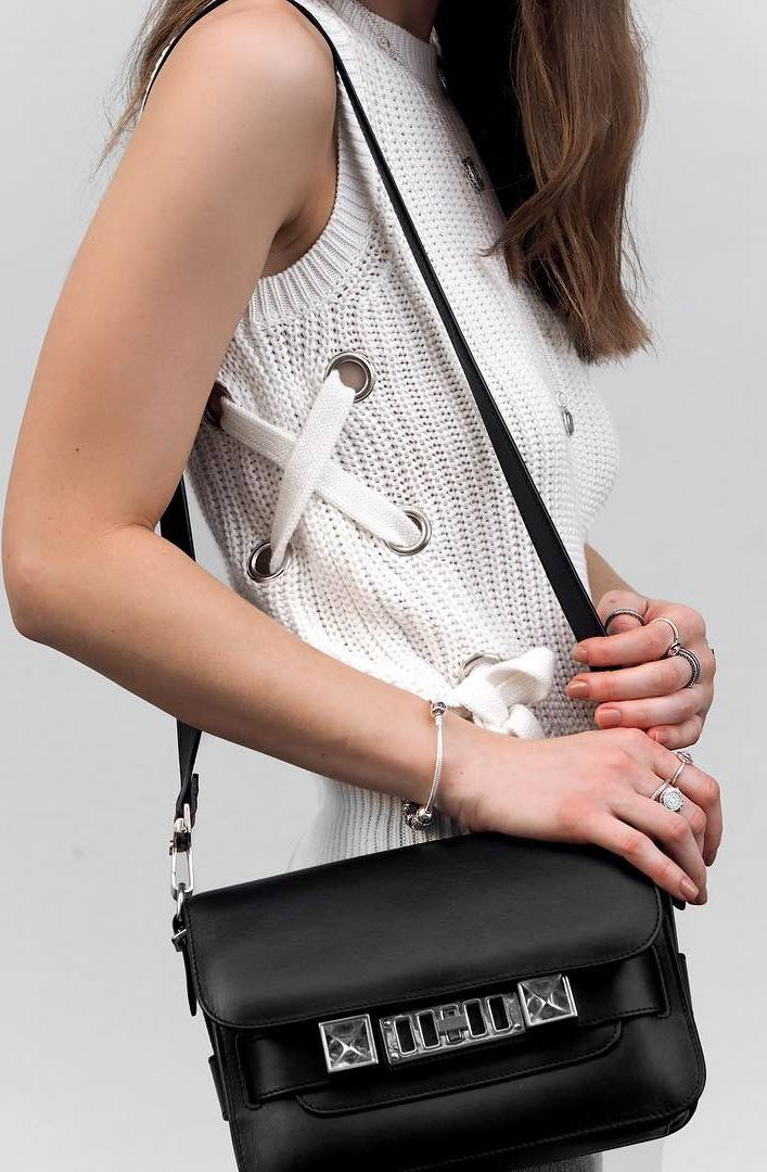 fashion trends / knit lace up top + bag