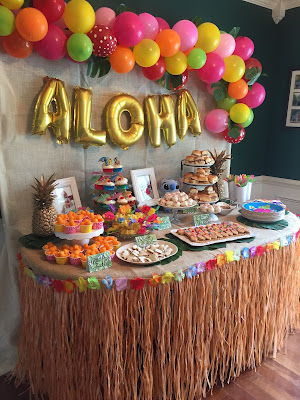 Lilo and Stitch theme birthday party - How to throw a Lilo and Stitch inspired Hawaiian Luau. Food, drink and decoration ideas.
