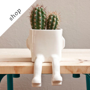 Sitting ceramic pot | wacamoleceramic
