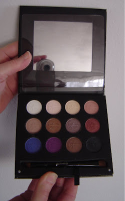 IT Cosmetics Luxe High Performance Eyeshadow Palette.jpeg