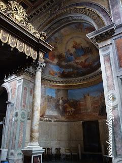 guia de roma afresco altar sao nicolau - Basílica de São Nicolau em Cárcere