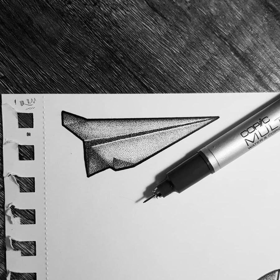 05-Paper-air-plane-bloopdots-www-designstack-co