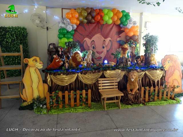 Decoração mesa luxo de tecido tema Rei Leão - Aniversário feminino