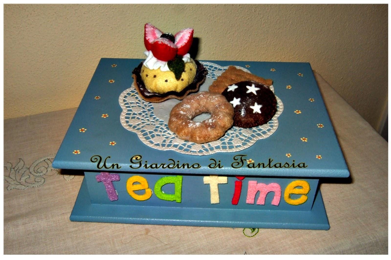 Un giardino di fantasia scatola porta the 39 con dolcetti - Scatola porta the ...