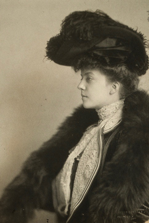Alice Roosevelt Longworth. c.1910