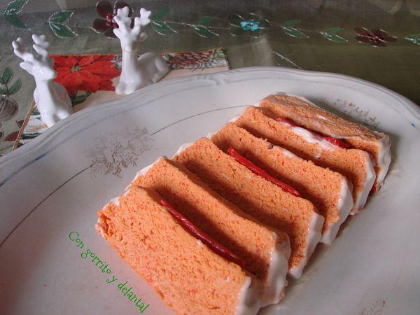 pastel-de-atun-y-pimientos-piquillo-con-gorrito-y-delantal