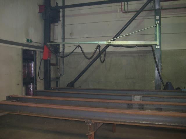 Телескопическая консоль для подвешивания сварочного оборудования