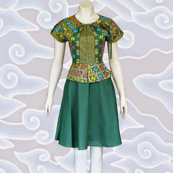 Model Dress Batik Kombinasi Brokat Lace Dan Polos