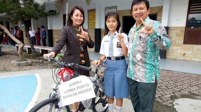 Siswi SMA Parulian 1 Medan ini Tetap Berprestasi meski Sibuk Berorganisasi
