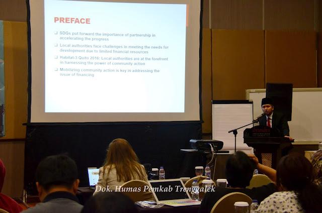 Bupati Emil Bicara Konsep Trenggalek Pada Konvensi UCLG ASPAC ke-7 di Surabaya.
