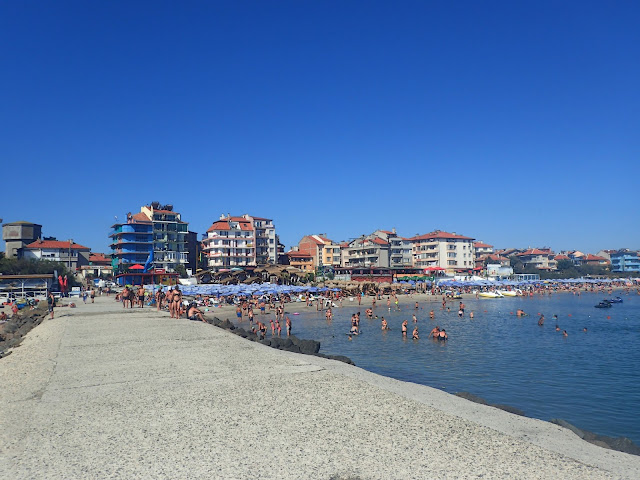 Kurortowe plaże na bułgarskim wybrzeżu (Pomorie)