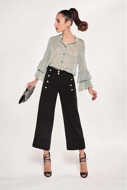 http://www.casualchic.es/es/productos/detalles/camisa-estrellas-denny-rose-/3487
