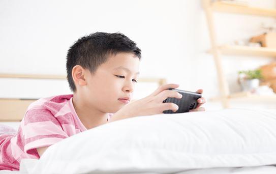 penggunaan-gadget-pada-anak