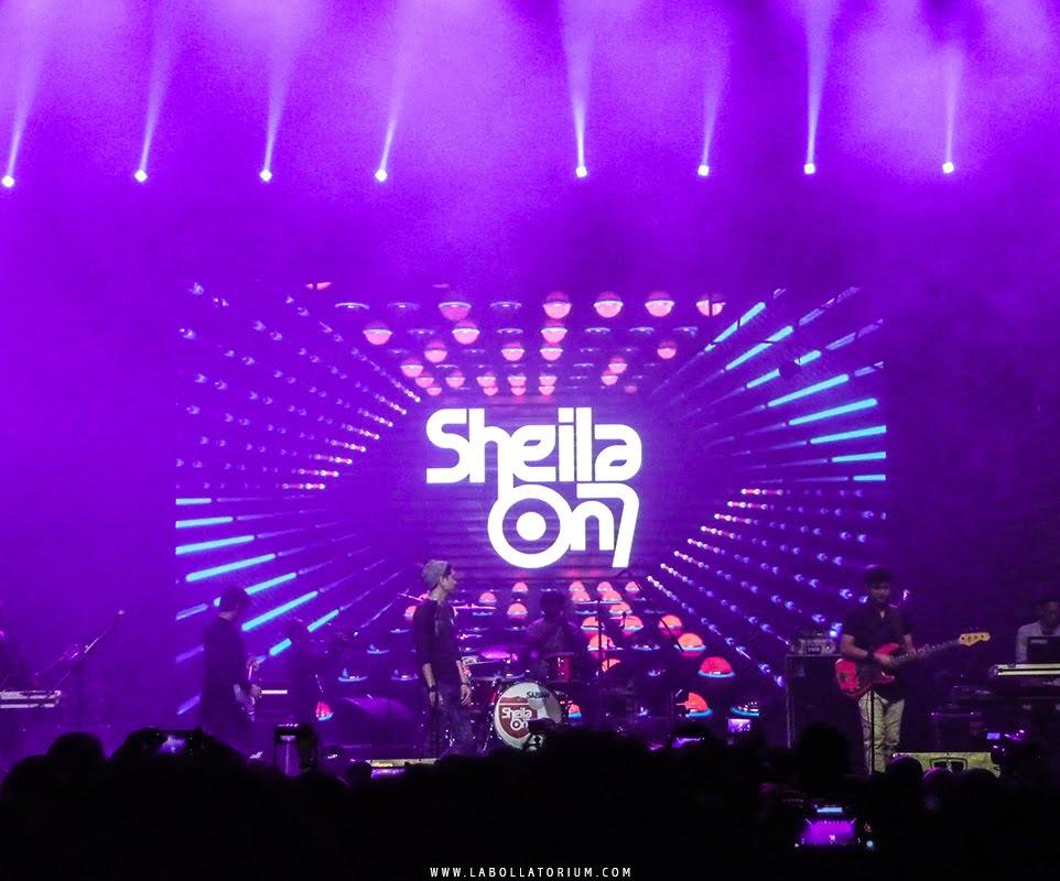 Sebuah kisah klasik & nostalgia bersama Sheila On 7 dalam sebuah konser di Trans Studio Bandung