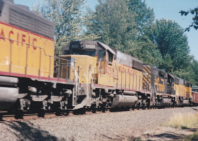 Union Pacific SD40-2 #B4250 at Hampton, Oregon, on July 20, 1997