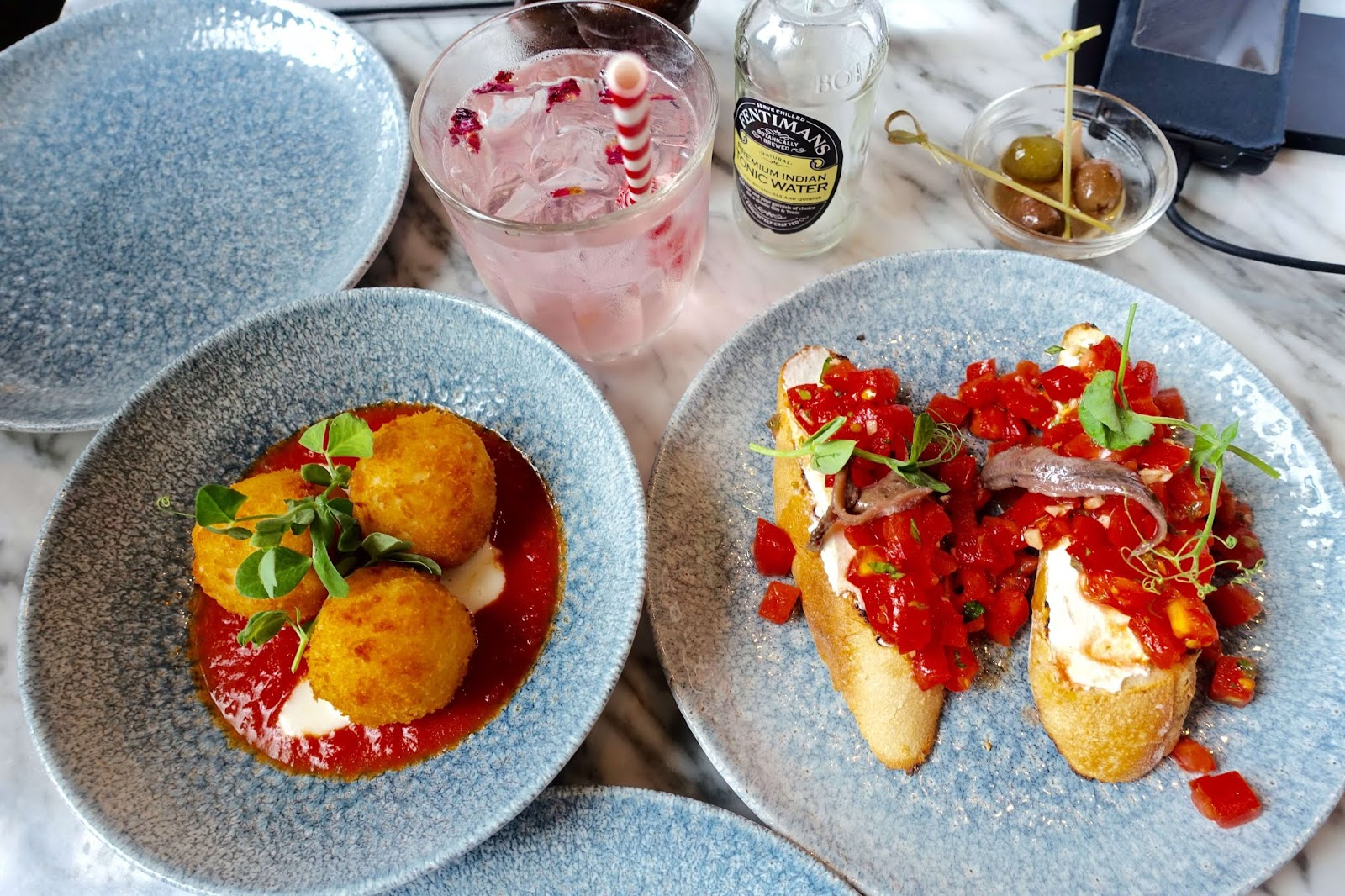 where to go for food and drink in edinburgh