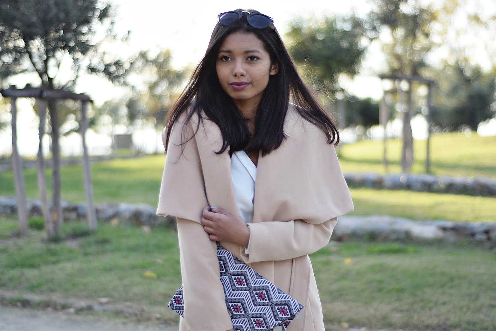 how to style lapel coat