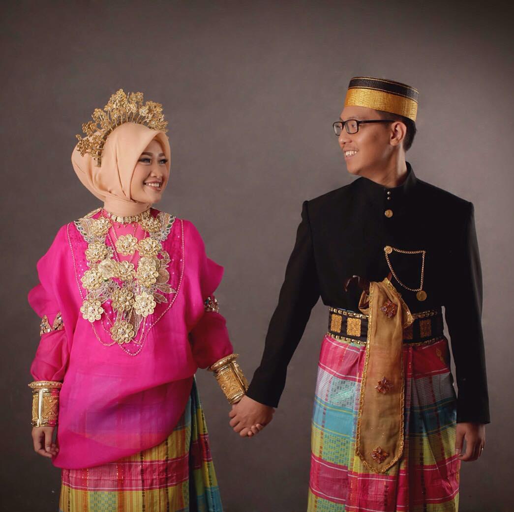 Contoh Pakaian Adat Dari Sulawesi Selatan
