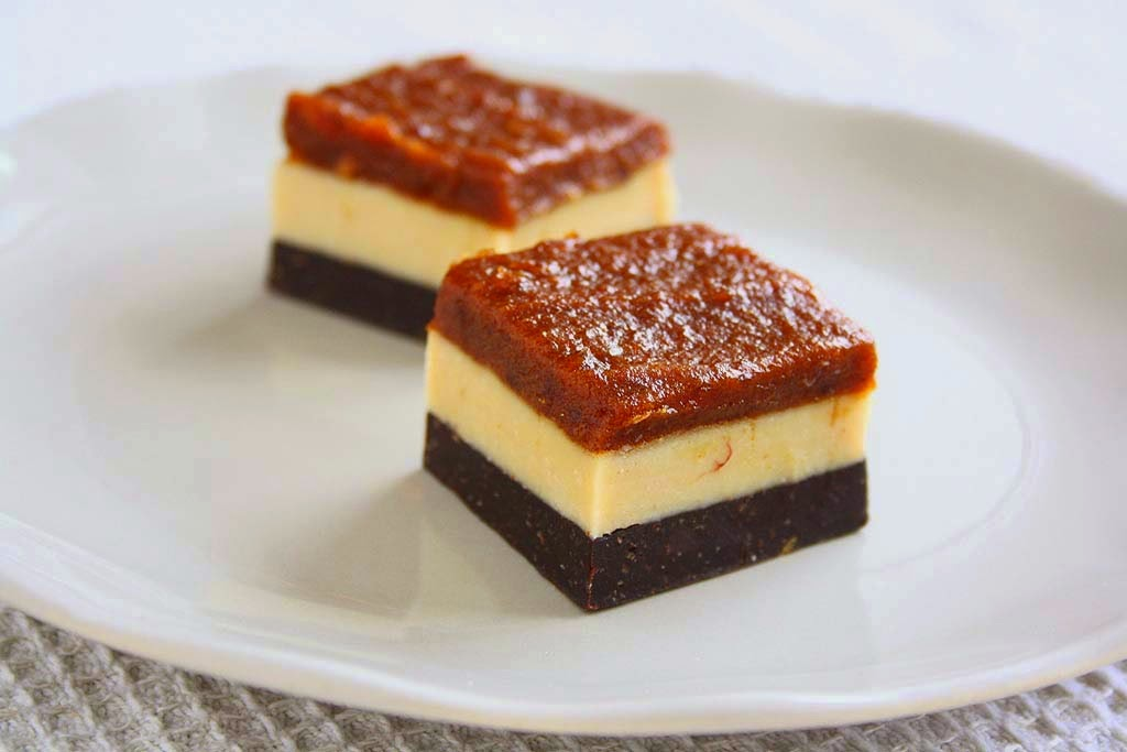 DATE CARAMEL CASHEW BUTTER & COCOA FUDGE BARS