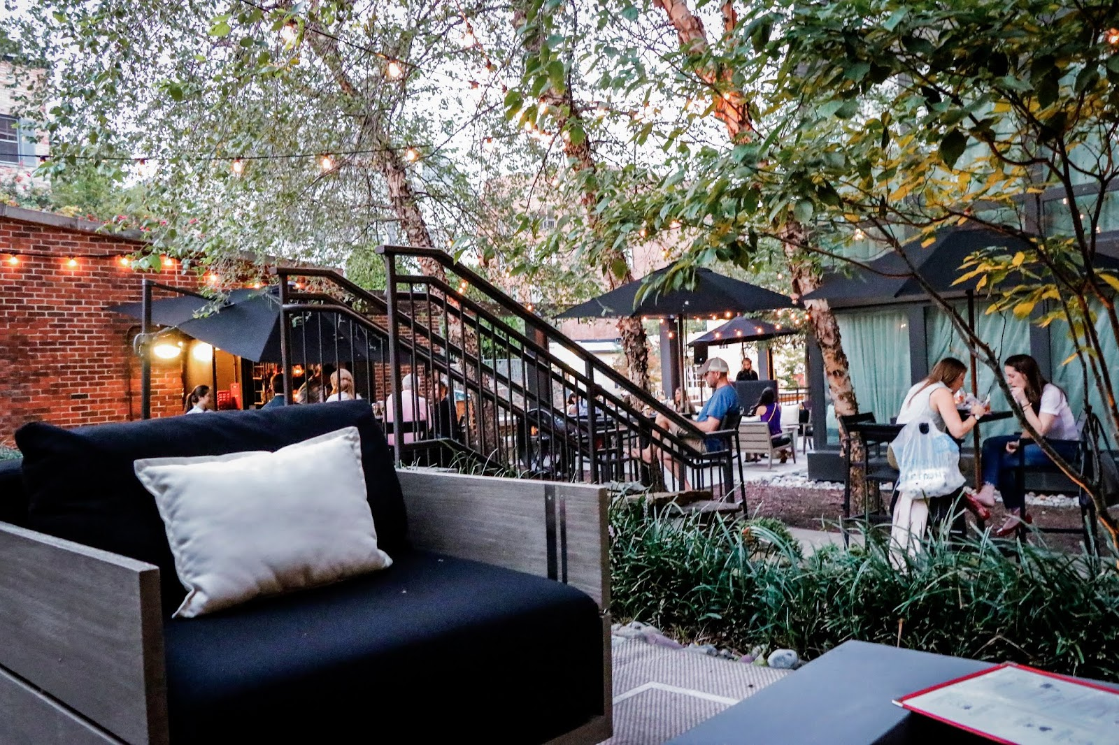 the yard ritz carlton georgetown, foodie, dc blogger, food for thought, lavendar frose, dc fashion, dc style, designer, myriad musings