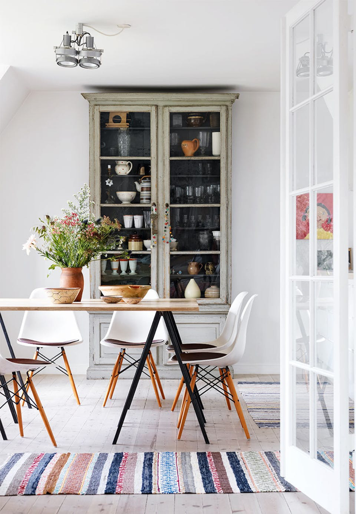 Mixing styles effortlessly in the dining room- design addict mom