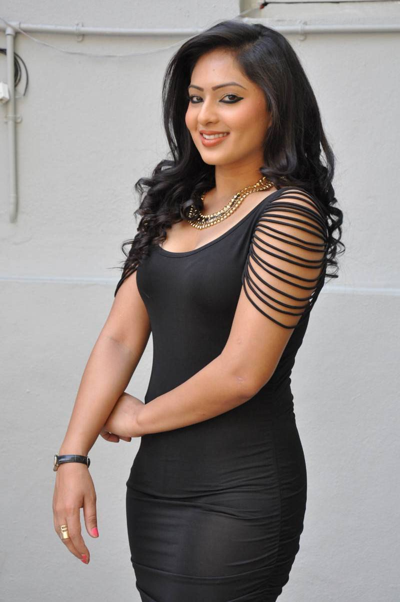 Tamil Hot Girl Nikesha Patel Legs Thigh Show Photos In Black Dress