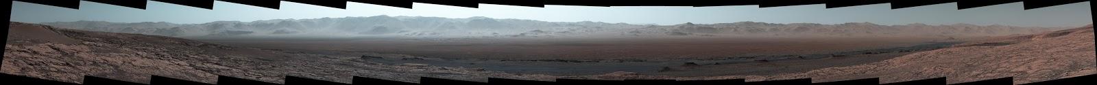 Imagen panorámica desde el cráter Gale de Marte
