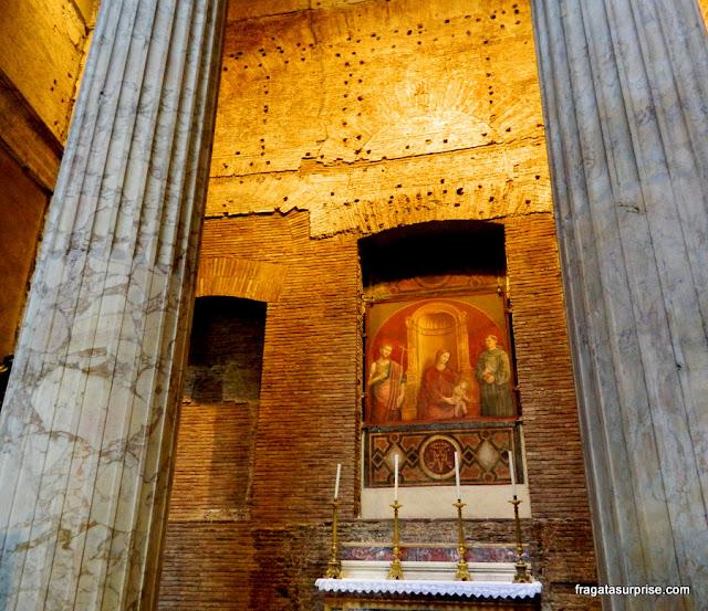 Altar católico no Pantheon, Roma