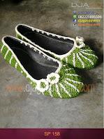 Sepatu rajut Motif laba laba 2 warna pakai bunga kecil grosir murah