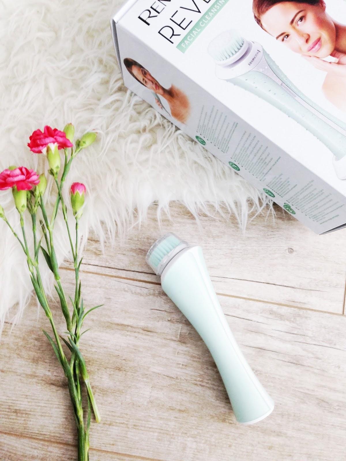 Remington Reveal facial cleansing brush