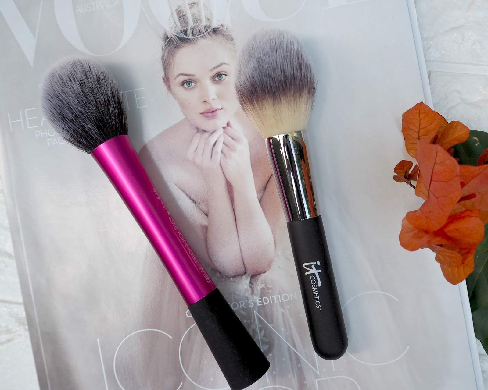 IT Cosmetics Heavenly Luxe Must-Haves Brush Set! : www.poshmakeupnstuff.blogspot.com