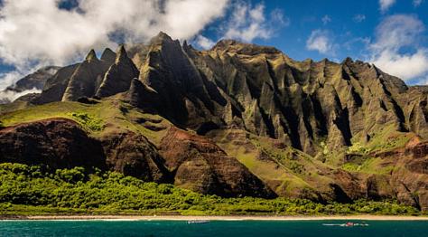 Nā Pali Coast cliffs