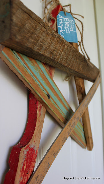 reclaimed wood, front door, fourth of july, star, summer decor, porch, chippy paint, beyond the picket fence,http://bec4-beyondthepicketfence.blogspot.com/2013/06/salvaged-star-door-decor.html