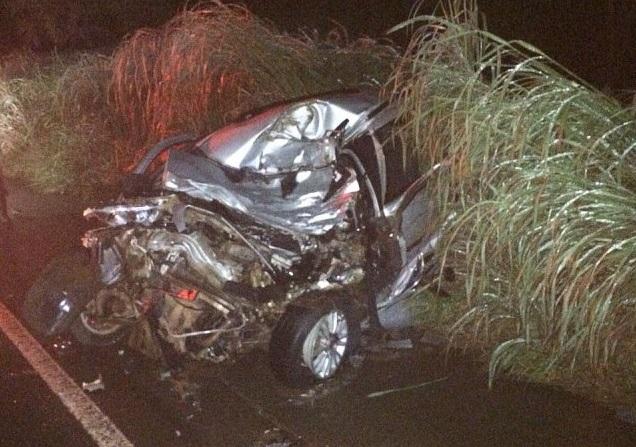 [Imagens Fortes] Pastor morre de forma brutal após colidir de frente com carreta na BR 364
