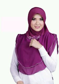 Tips Memakai Jilbab Sesuai untuk Wajah Kotak