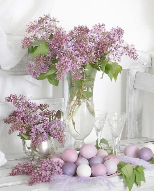 pastel purple and lilac Easter decoration